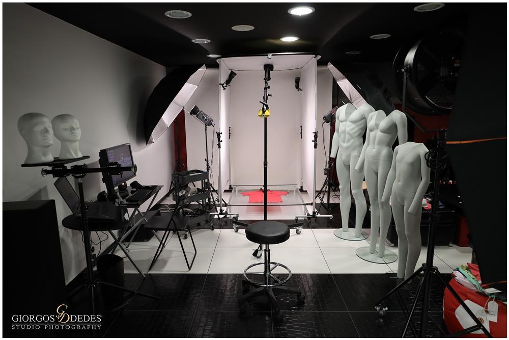 φωτογράφιση ρούχων ενδυμάτων προιόντων σε στούντιο στην αθήνα