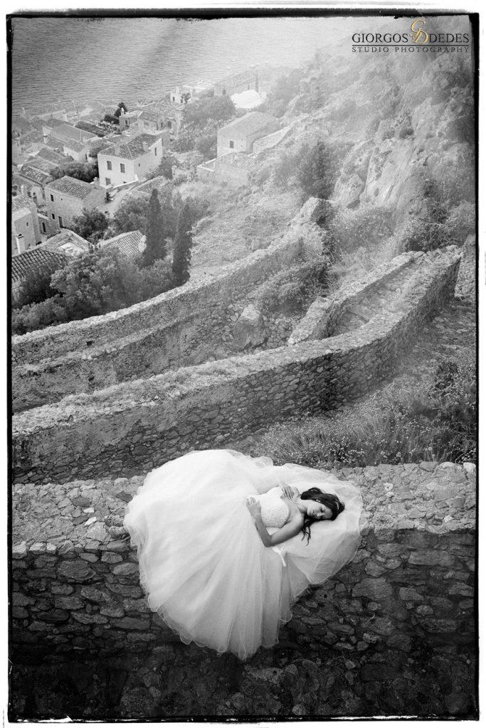 Καλλιτεχνική φωτογράφηση γάμου στο κάστρο της Μονεμβασιάς